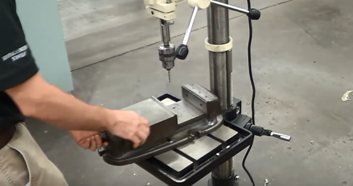 how to use drill press - DIY