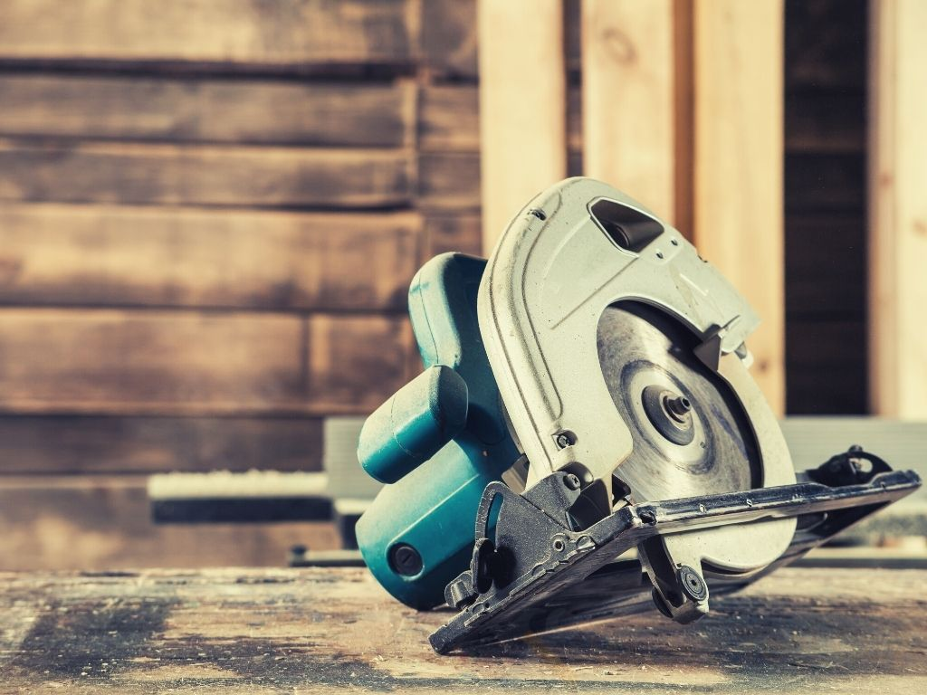 Best Circular Saws For Woodworking & Home Use