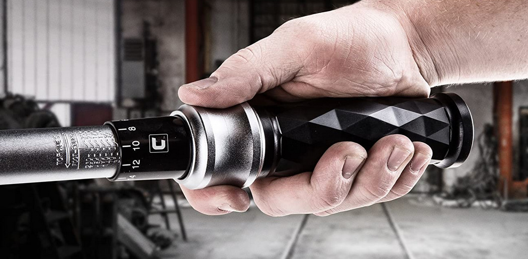 Using a Torque Wrench